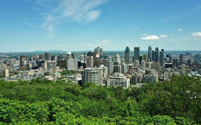 Vue sur Montréal depuis le sommet du Mont Royal