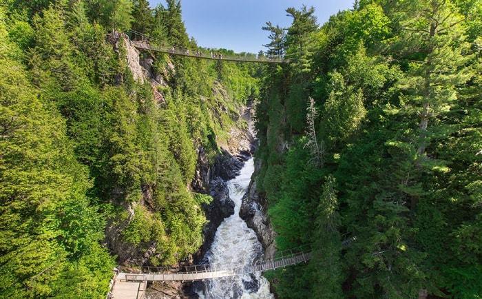 Le canyon Ste-Anne et ses passerelles suspendues